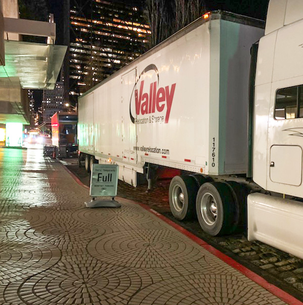 Out Side a Business is Sacramento Moving Company Valley Relocation Services in Sacramento