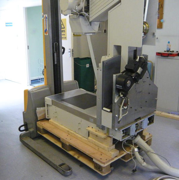 Medical Equipment Mover handles a fragile X Ray machine