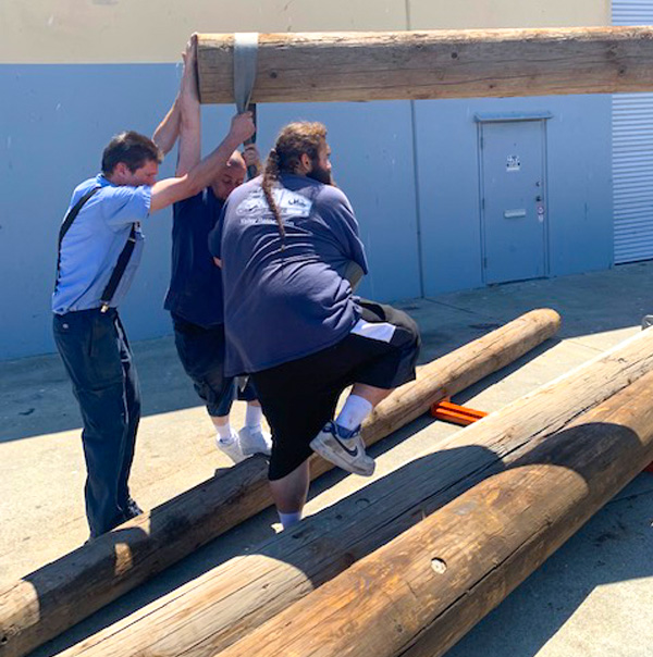 Oakland Movers from Valley Relocation move large poles